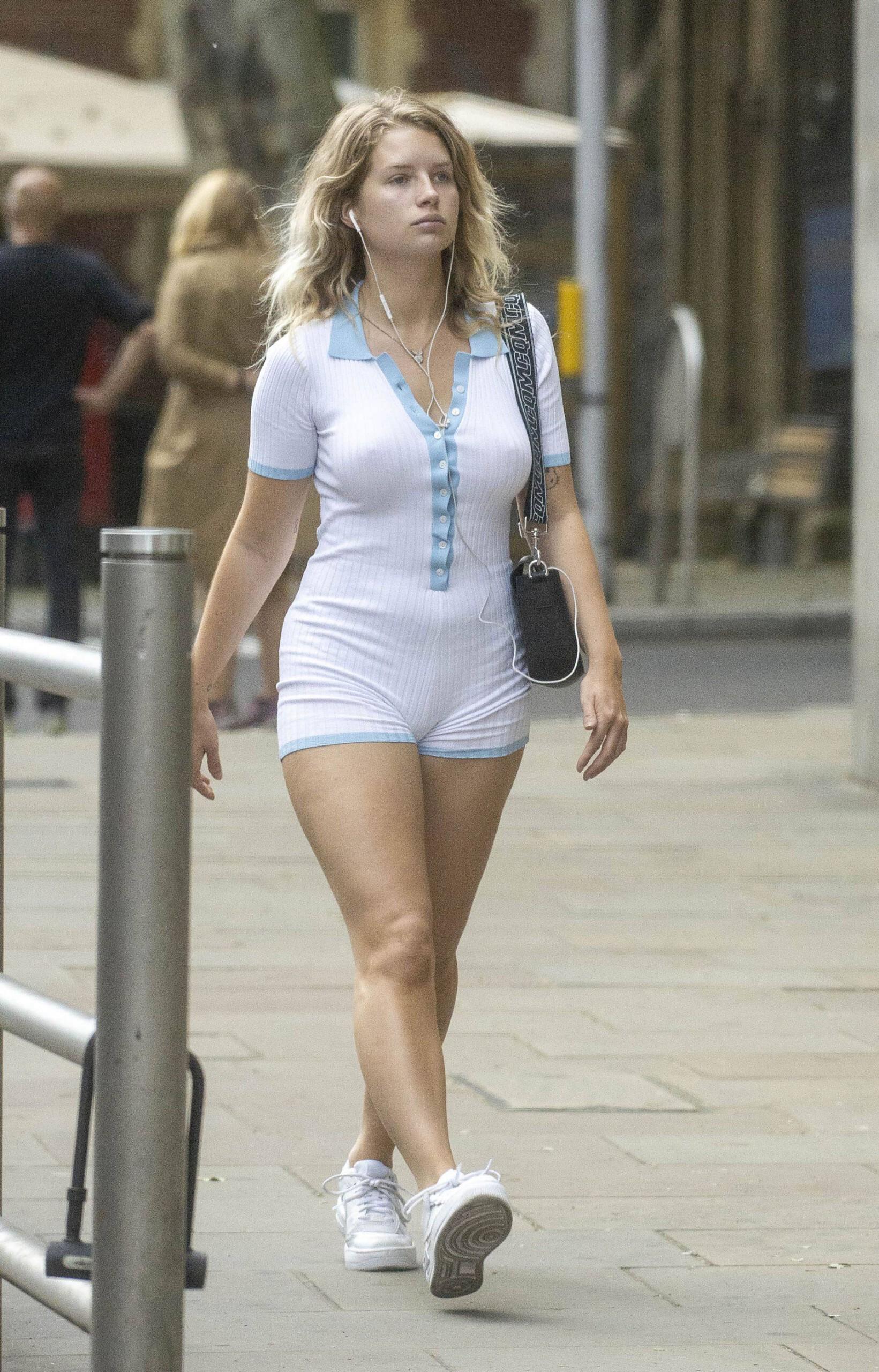Lottie Moss Hot Body