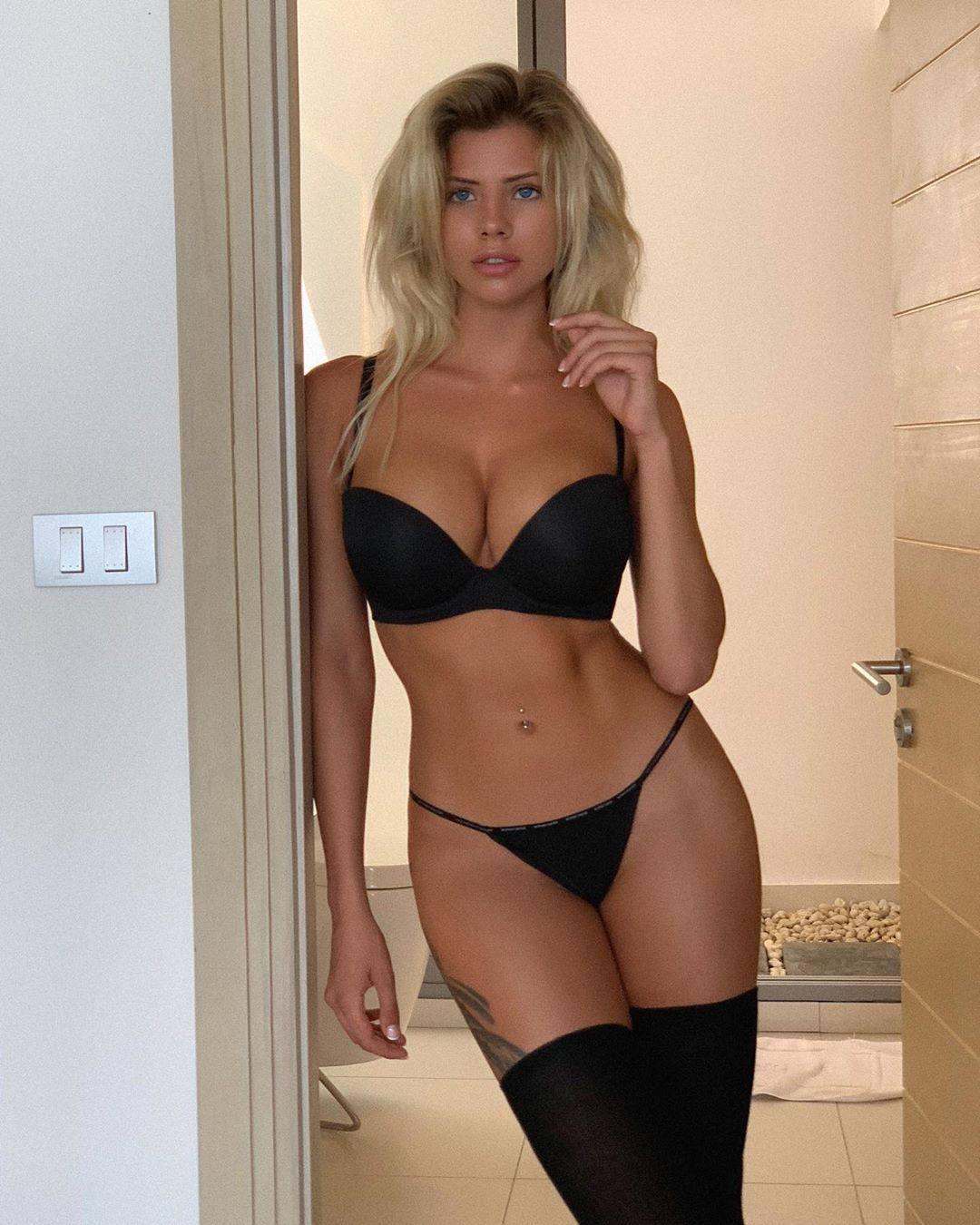 Nata Lee Hot Body In Lingerie