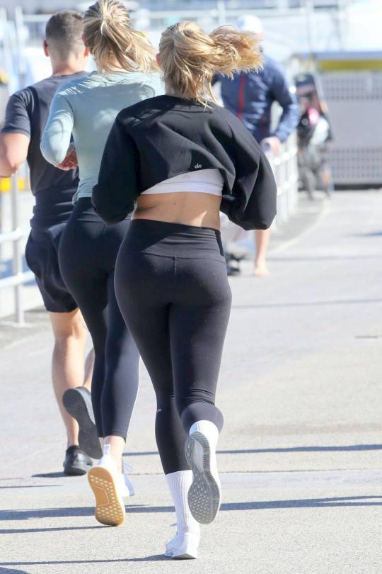 Natalie Jayne Roser Sexy In Leggings