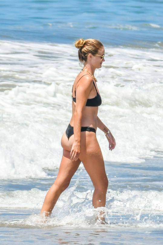 Rosie Huntington Whiteley Sexy Bikini