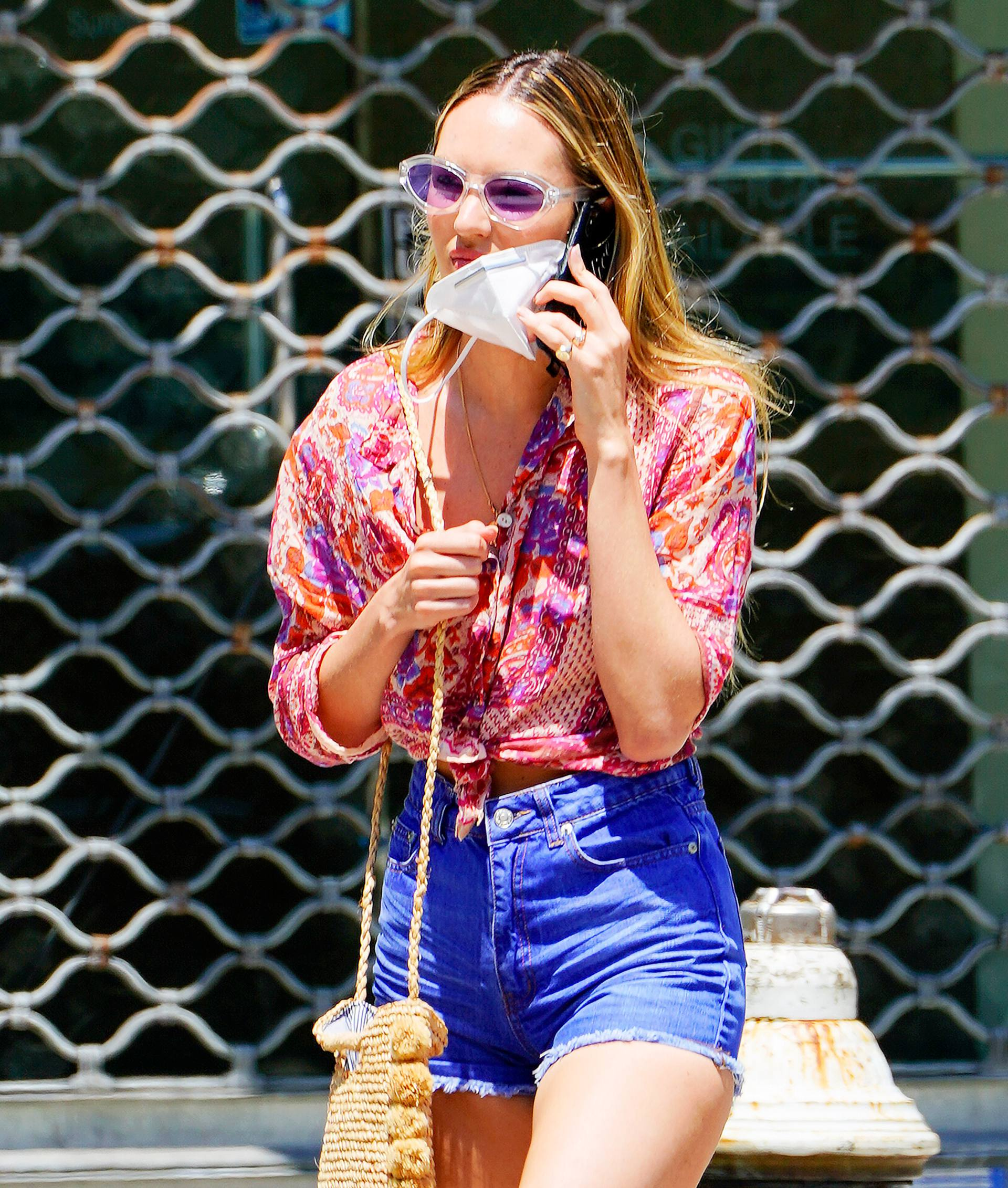 Candice Swanepoel Sexy In Shorts