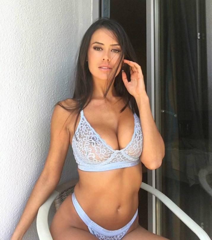 Eva Padlock Big Breasts