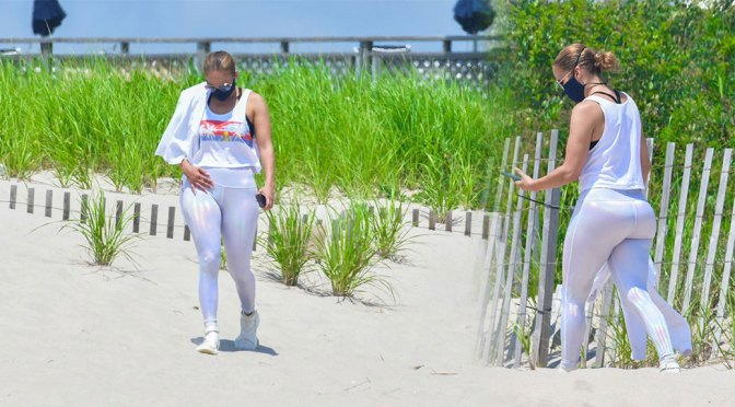 Jennifer Lopez – Sexy Big Ass on the Beach in the Hamptons