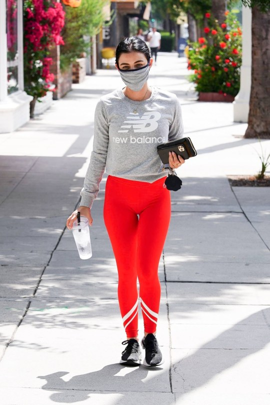 Lucy Hall Sexy Ass In Leggings