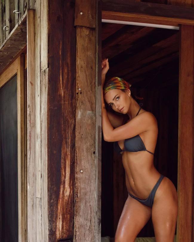 Rachel Cook Hot Body In Small Bikini
