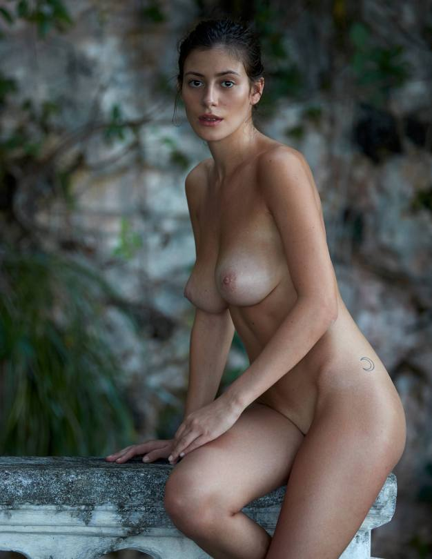Alejandra Guilmant Perfect Naked Body