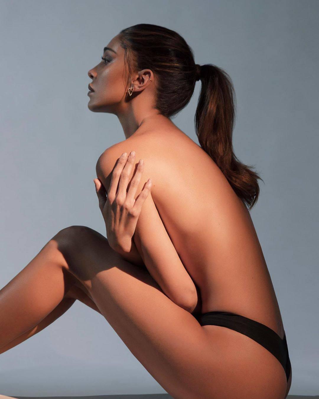 Belen Rodriguez Beautiful In Panties
