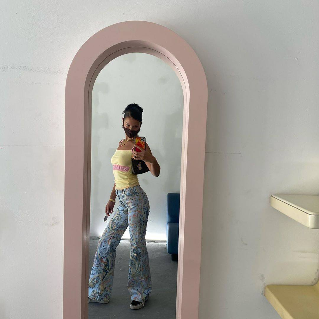 Bella Hadid Sexy Selfie