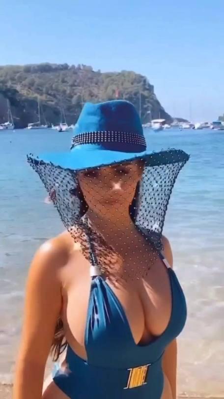 Demi Rose Mawby Huge Breasts