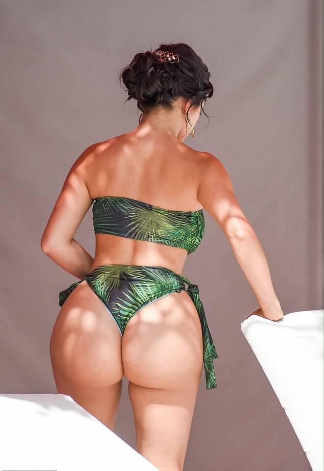 Demi Rose Mawby Big Ass In Bikini