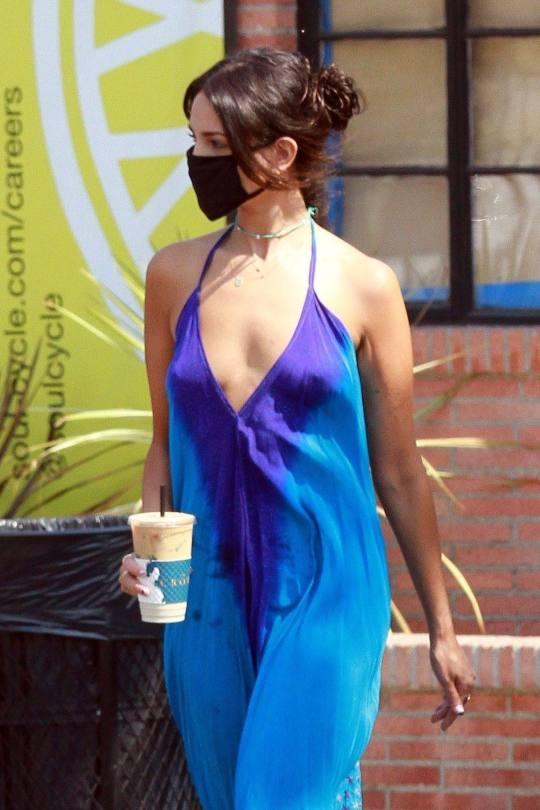 Eiza Gonzalez Braless Breasts