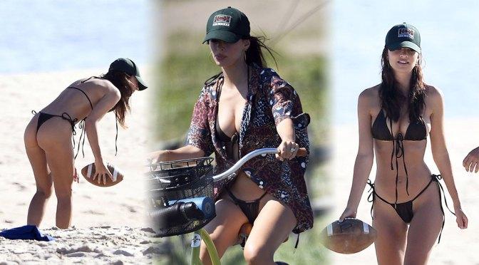 Emily Ratajkowski – Beautiful Big Boobs in BIkini at the Beach in East Hampton