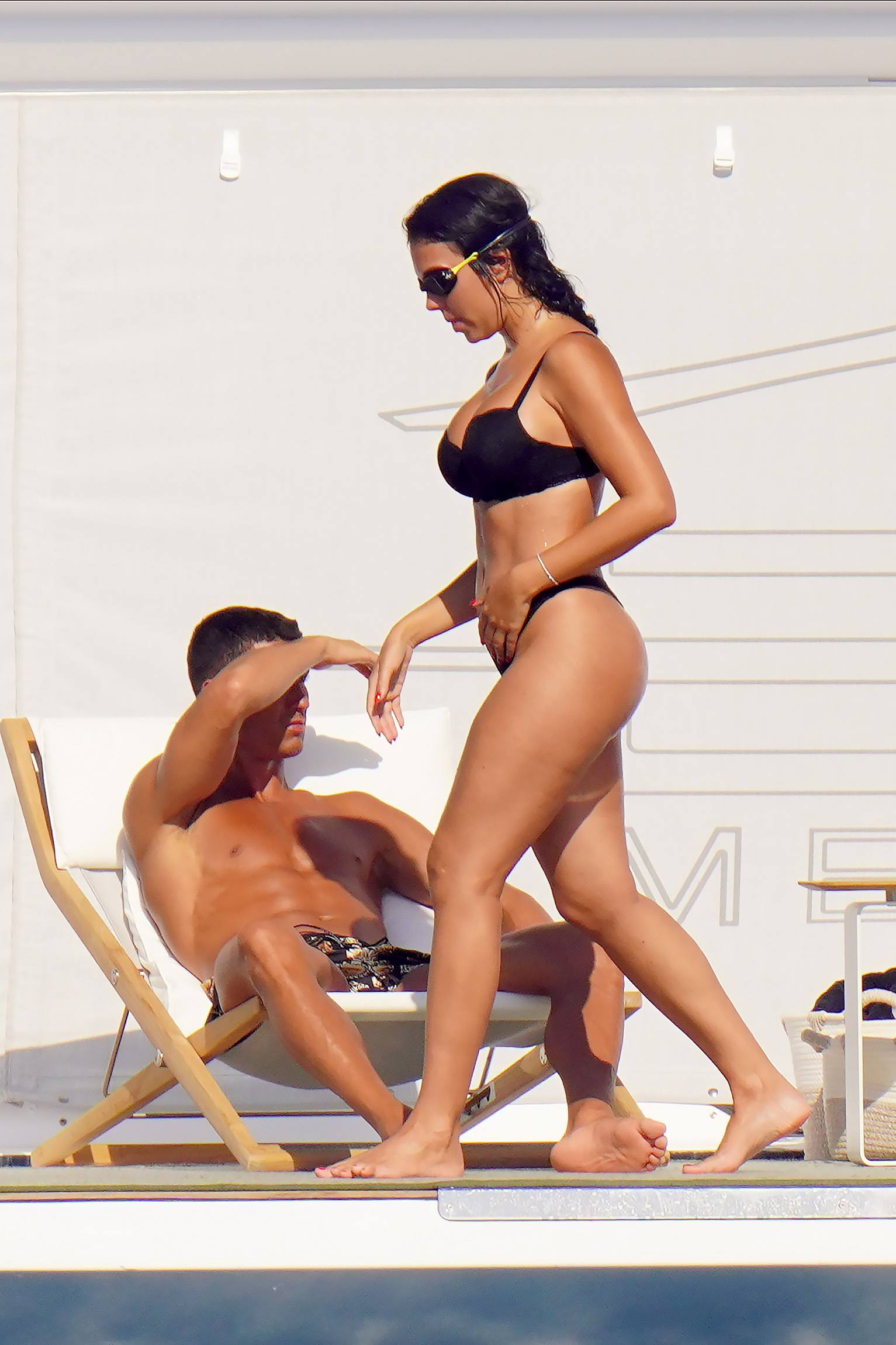 Georgina Rodriguez - Fantastic Body in a Thong Bikini on a