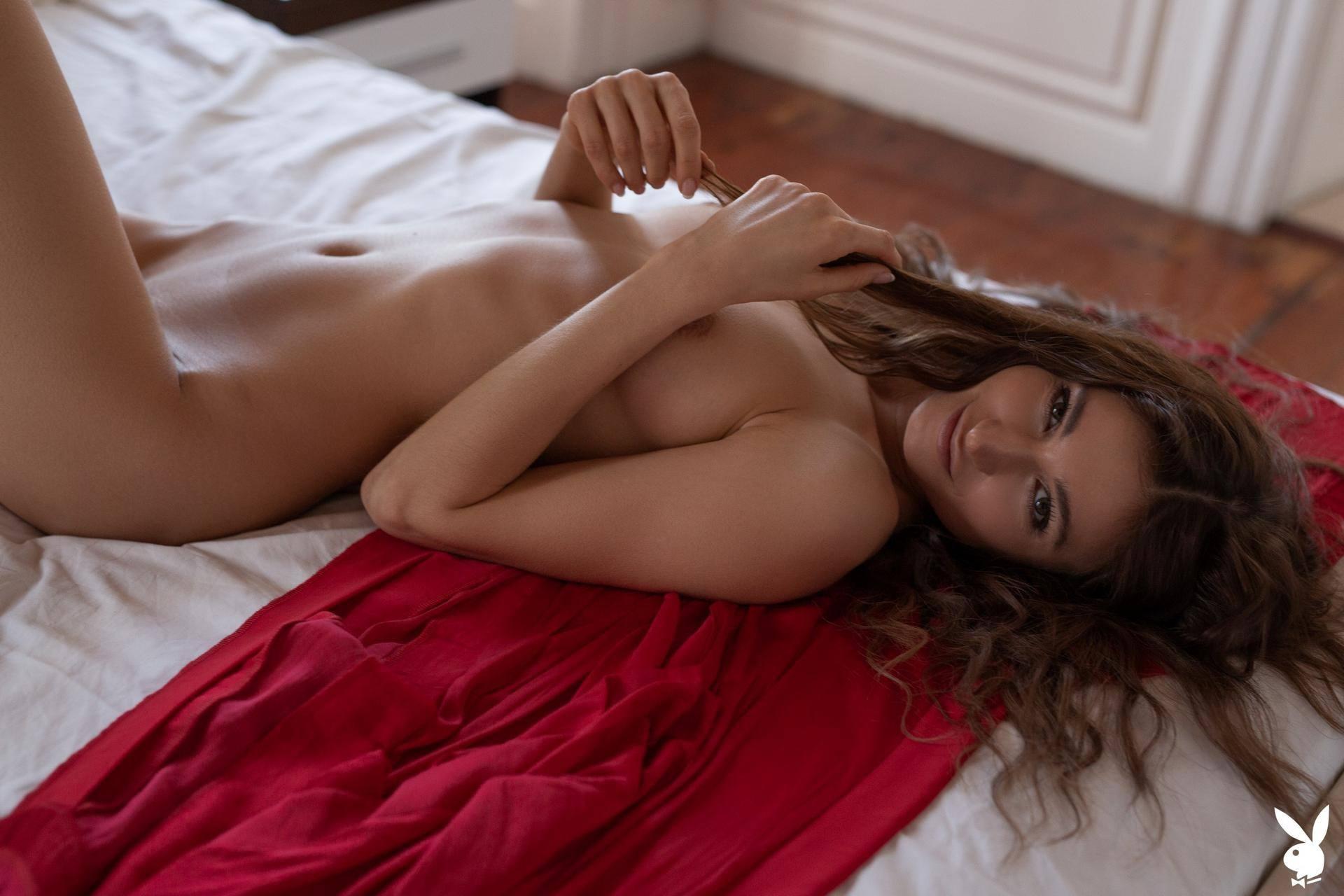 Naked Beautiful Girls