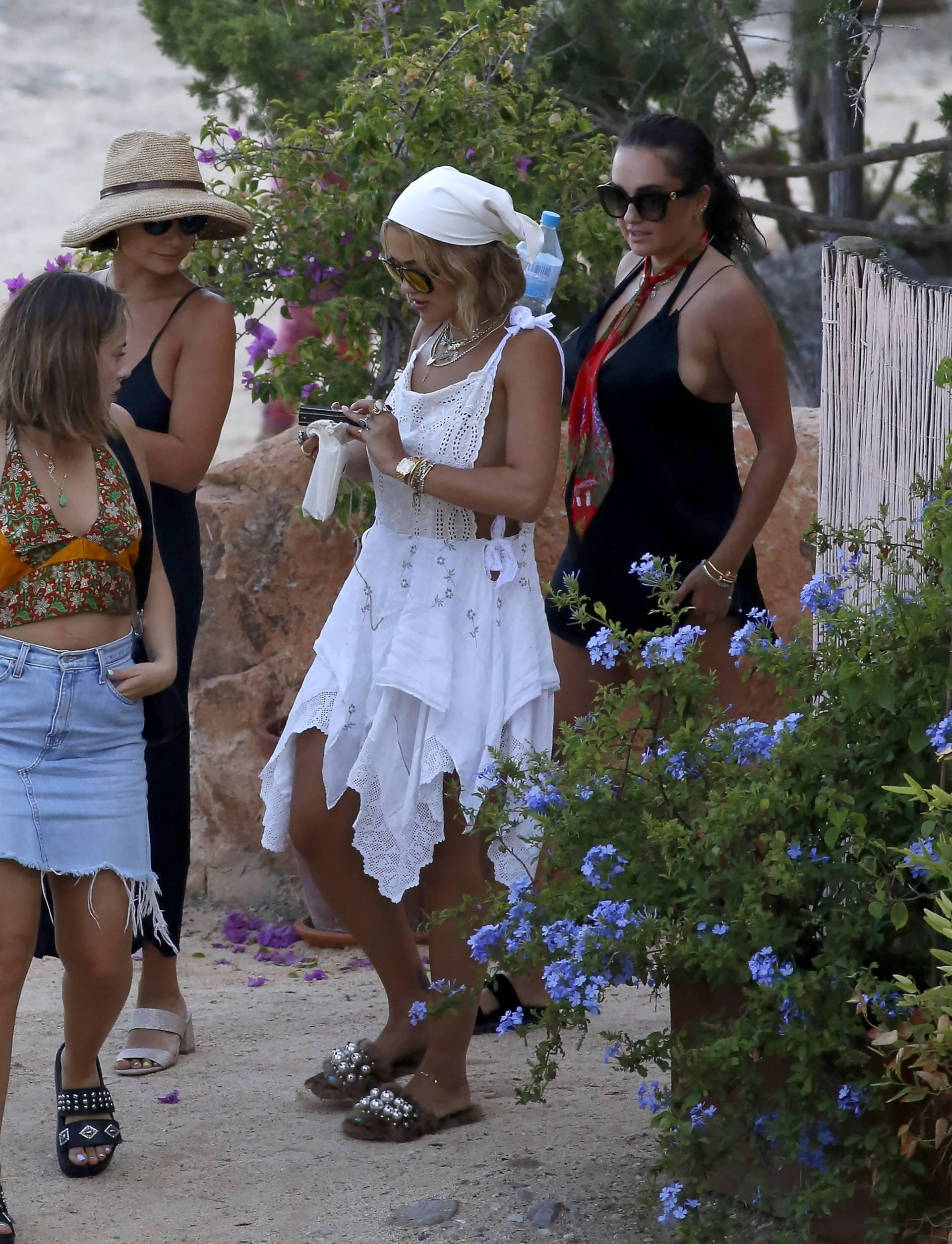 Rita Ora Braless Sideboob