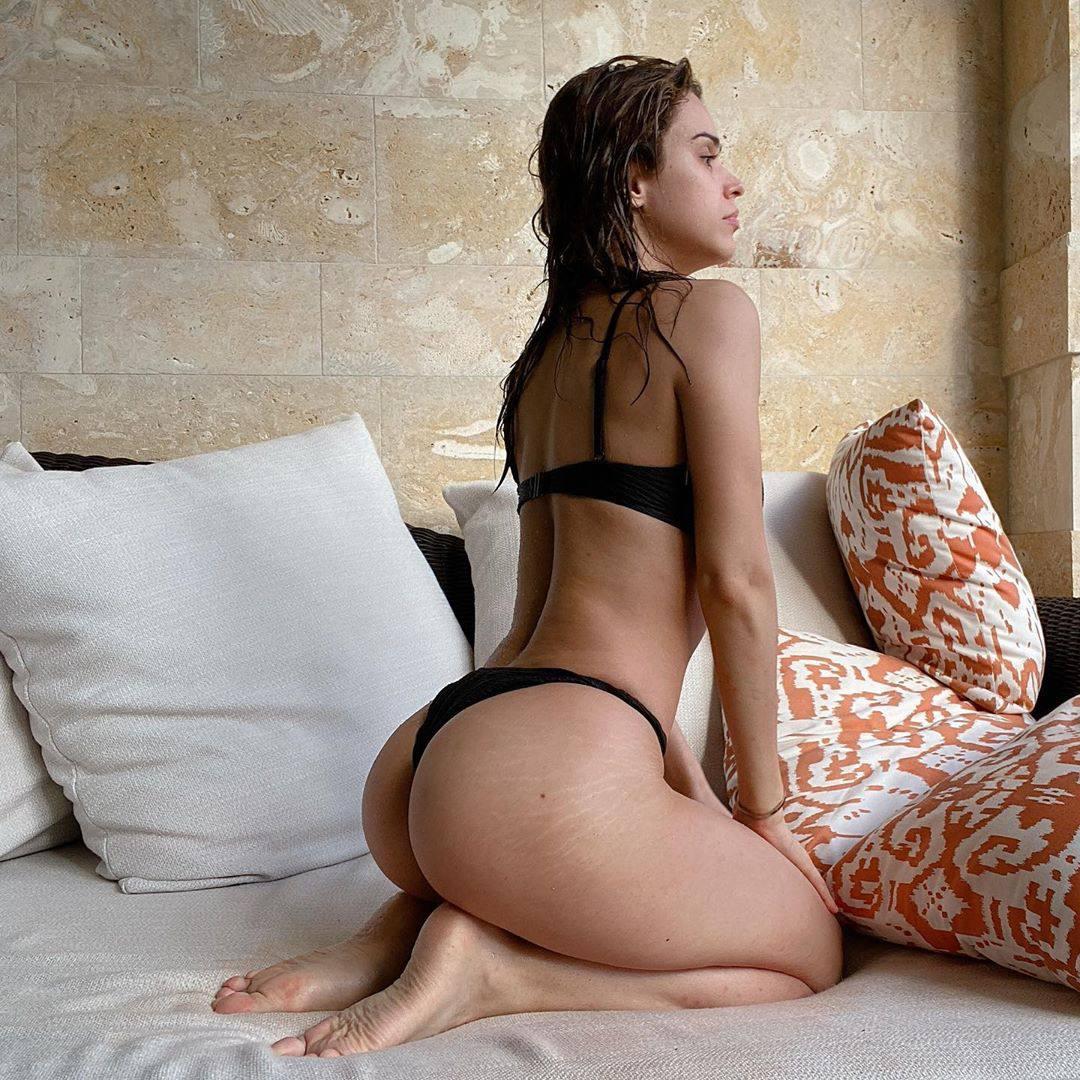 Yanet Garcia Sexy Ass