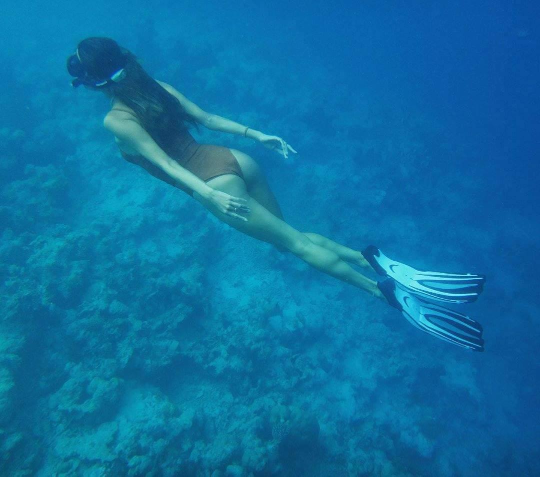 Alessandra Ambrosio Beautiful Ass Underwater