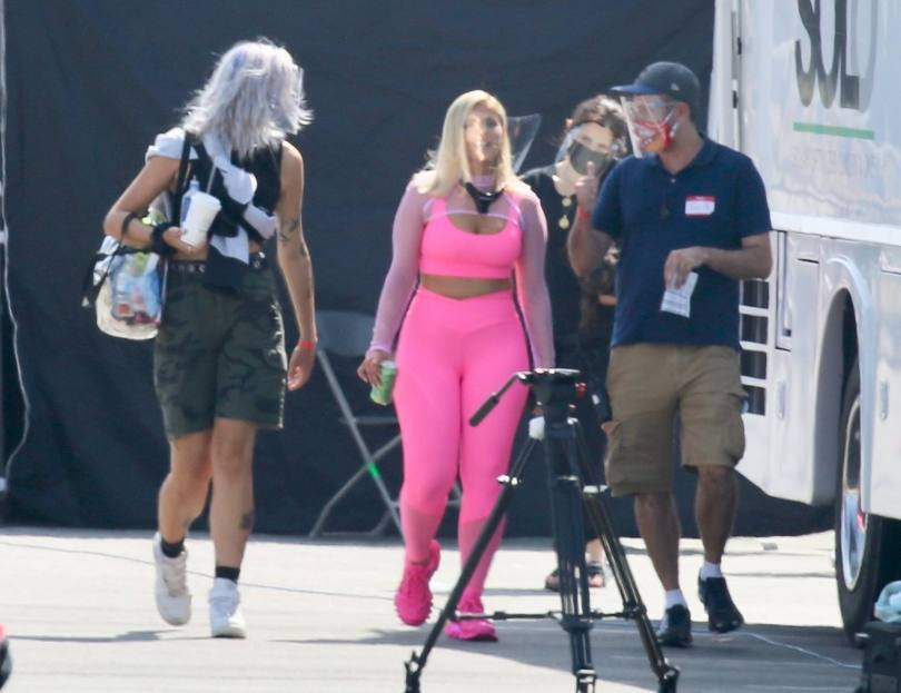 Bebe Rexha In Tight Leggings