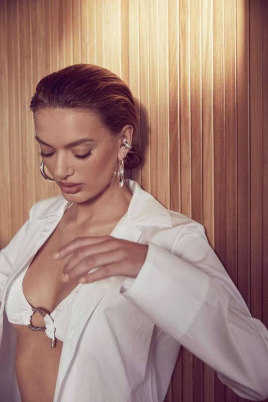 Bregje Heinen Sexy In Lingerie