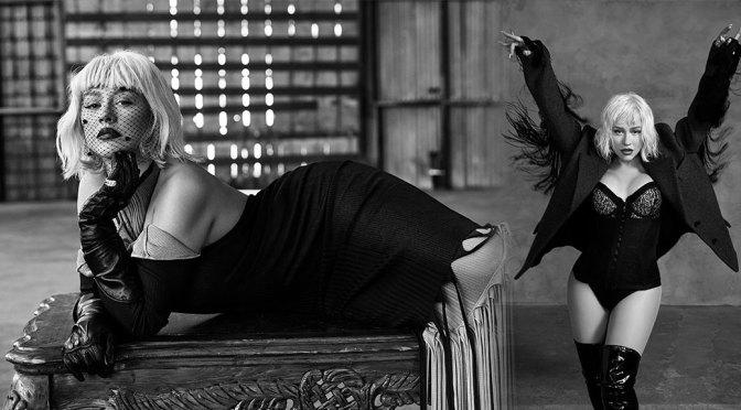 Christina Aguilera Big Breasts In Cleavage