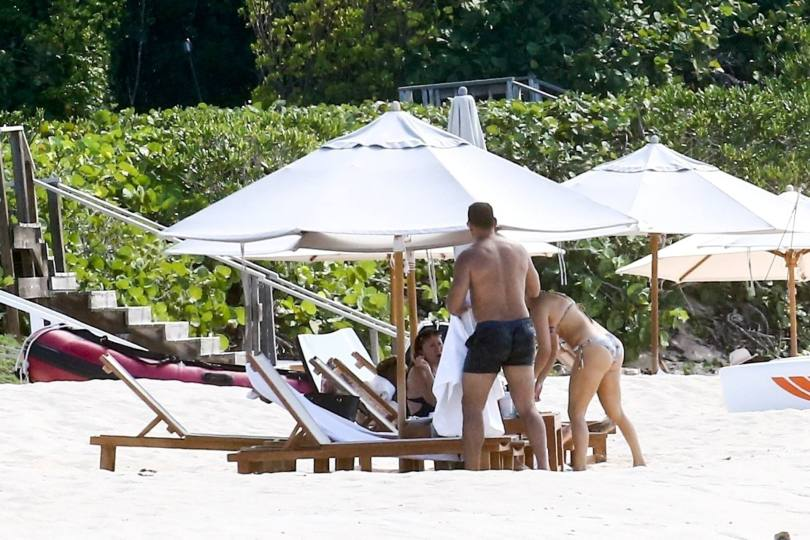 Jennifer Lopez In Bikini