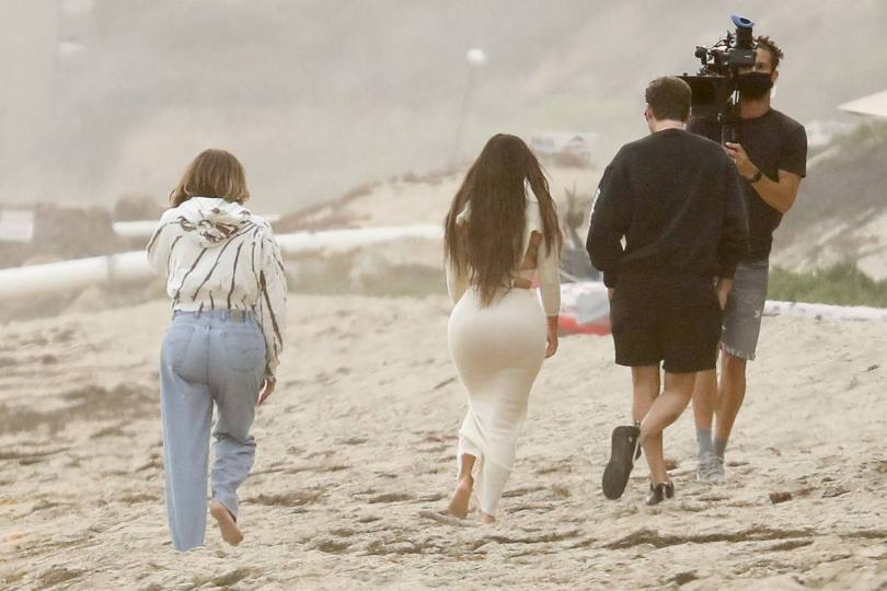 Kim Kardashian - Sexy Big Ass at the Beach on KUWTK Set in Malibu