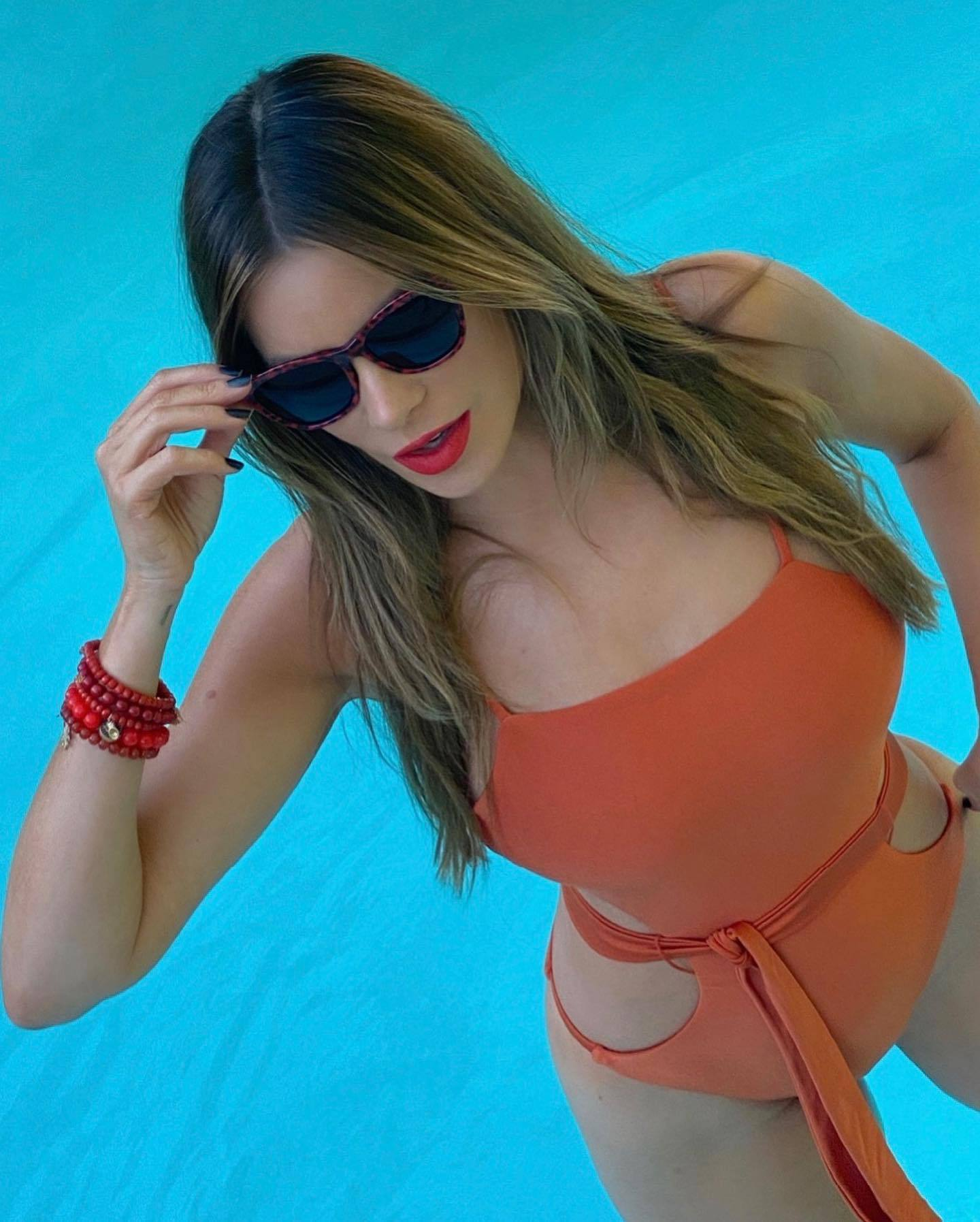 Sofia Vergara Hot Body In Swimsuit