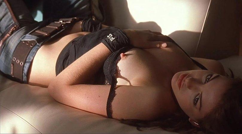 Anne Hathaway Masturbating