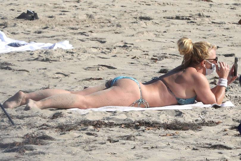 Brintey Spears Sexy In Bikini