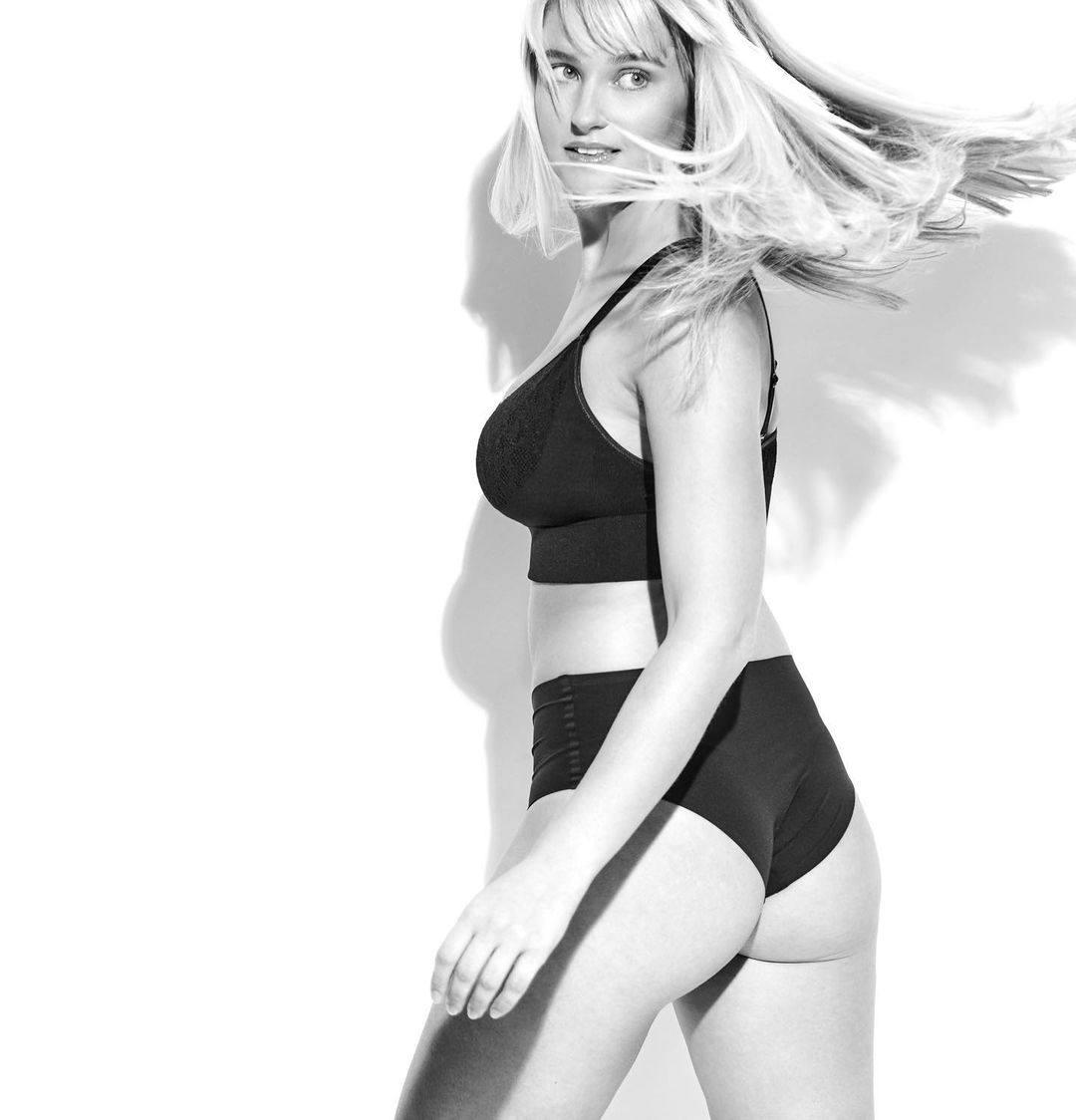 Genevieve Morton Sexy Ass In Underwear
