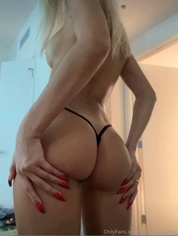 Pia Mia Perez Naked