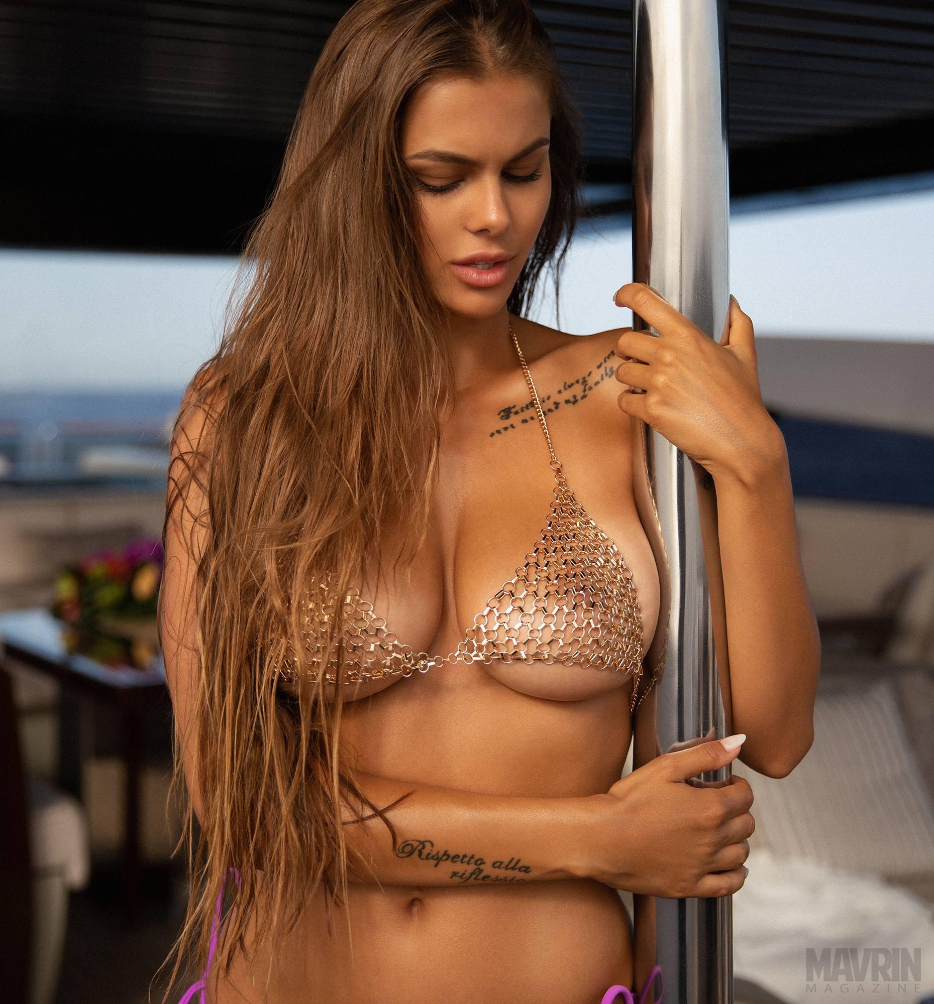 Viki Odintcova Sexy Body