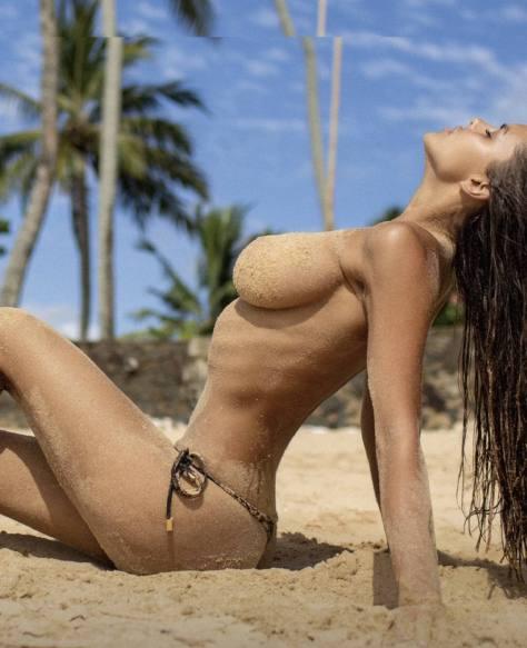 Viki Odintcova Topless On Beach