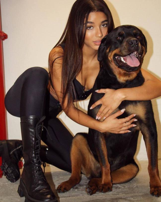 Yovanna Ventura Sexy With Dog