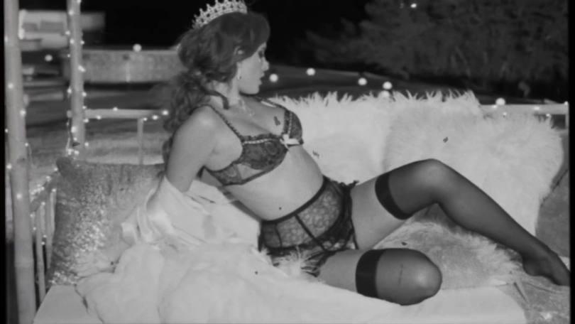 Bella Thorne Sexy Body