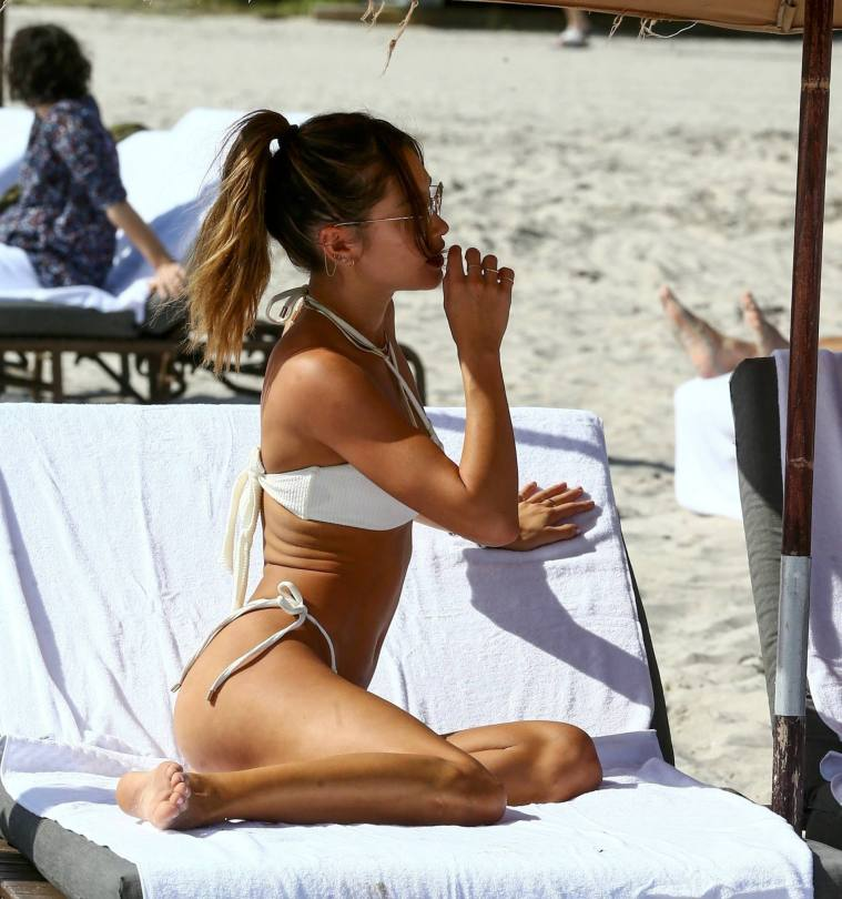 Jocelyn Chew Sexy In Bikini