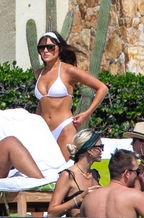 Olivia Culpo Perfect Body In Bikini