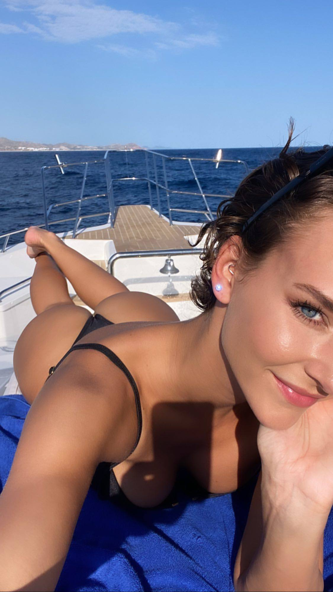 Rachel Cook Fantastic Ass On A Yacht