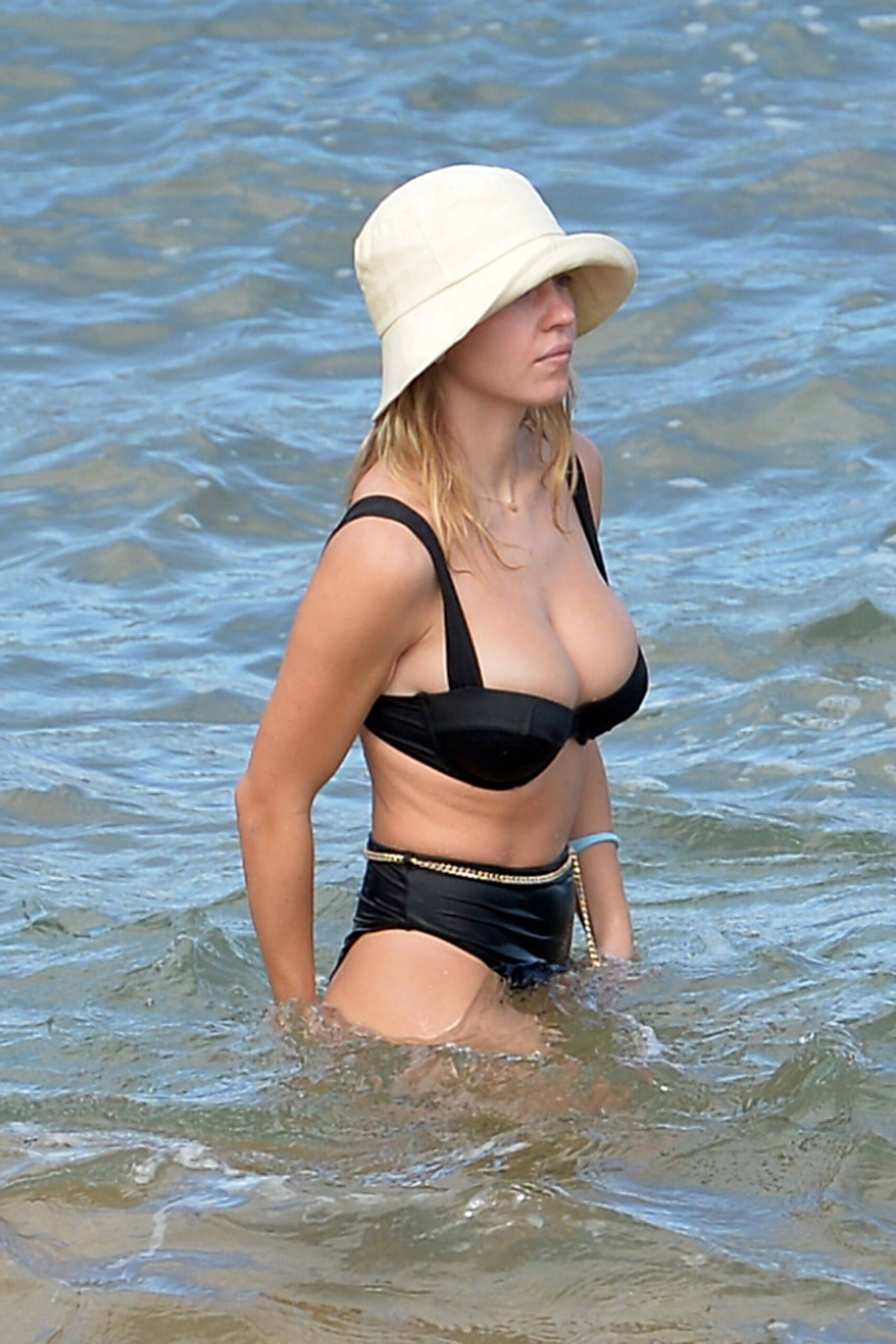 Sydney Sweeney Huge Boobs In Bikini