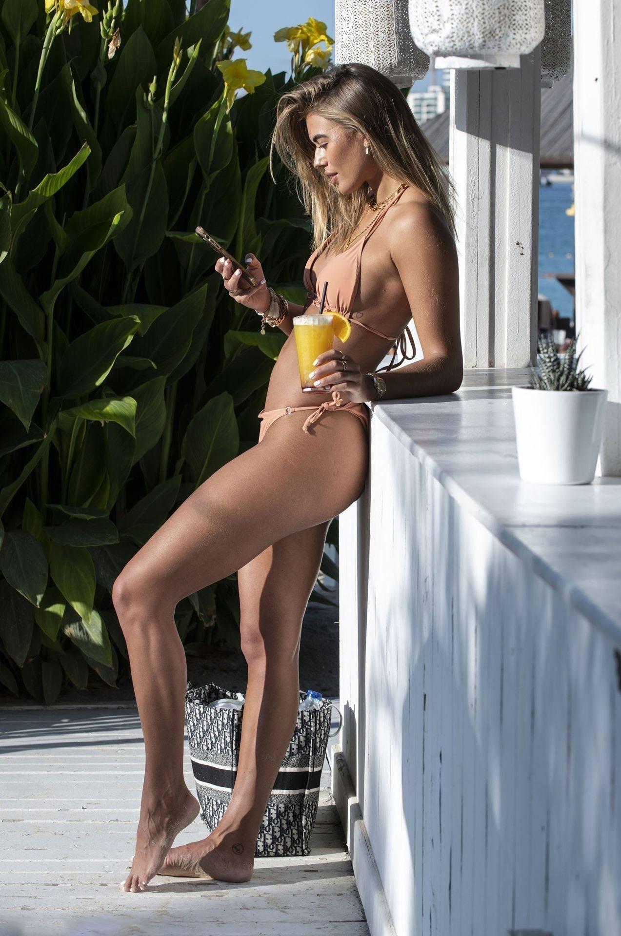 Arabella Chi Hot Body