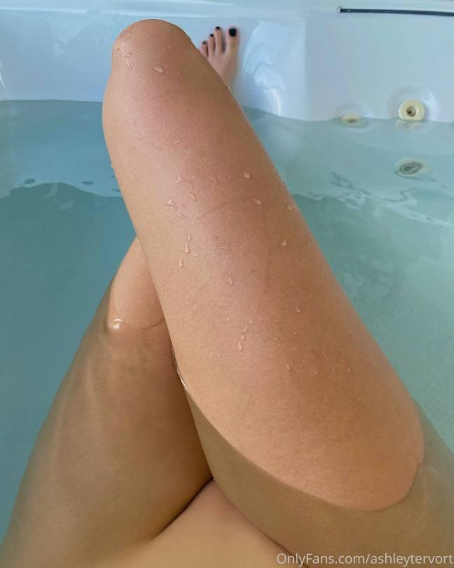Ashley Trevort Magnificent Boobs