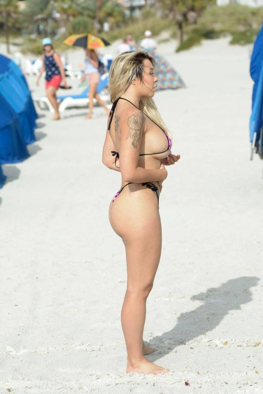 Bella Bunnie Amor In Tiny Bikini