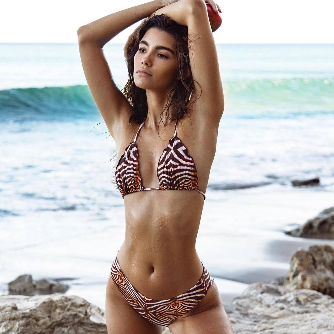 Cindy Mello Beautiful Body In Bikini