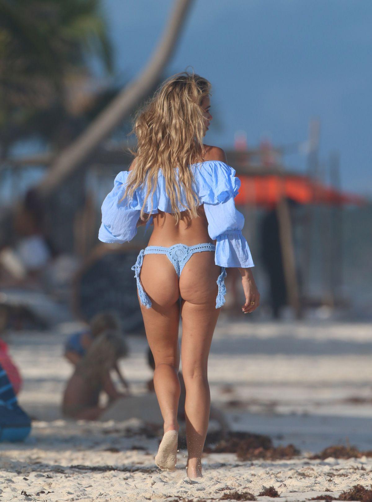 Cindy Prado Fantastic Body In Bikini