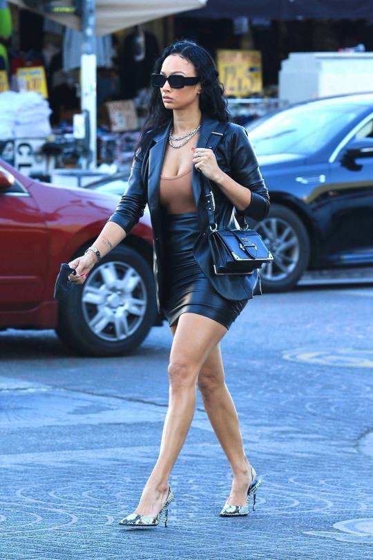 Draya Michele Sexy In Mini Skirt