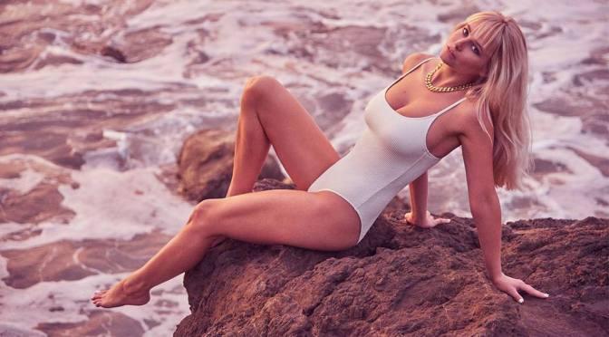 Genevieve Morton – Beautiful Big Boobs in 2021 Swimsuit Calendar Outtakes