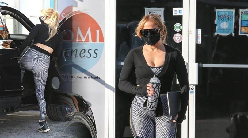Jennifer Lopez Sexy Ass And Boobs