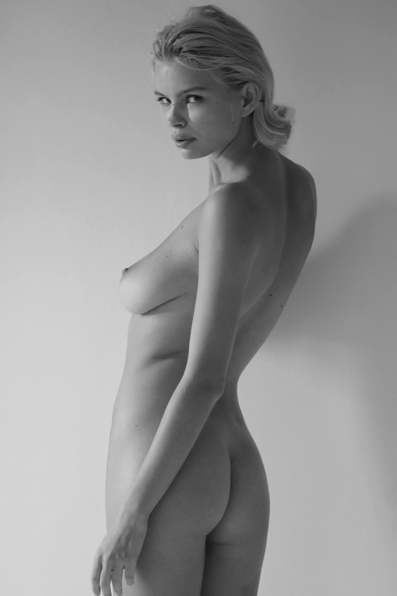 Julia Logacheva Naked Body
