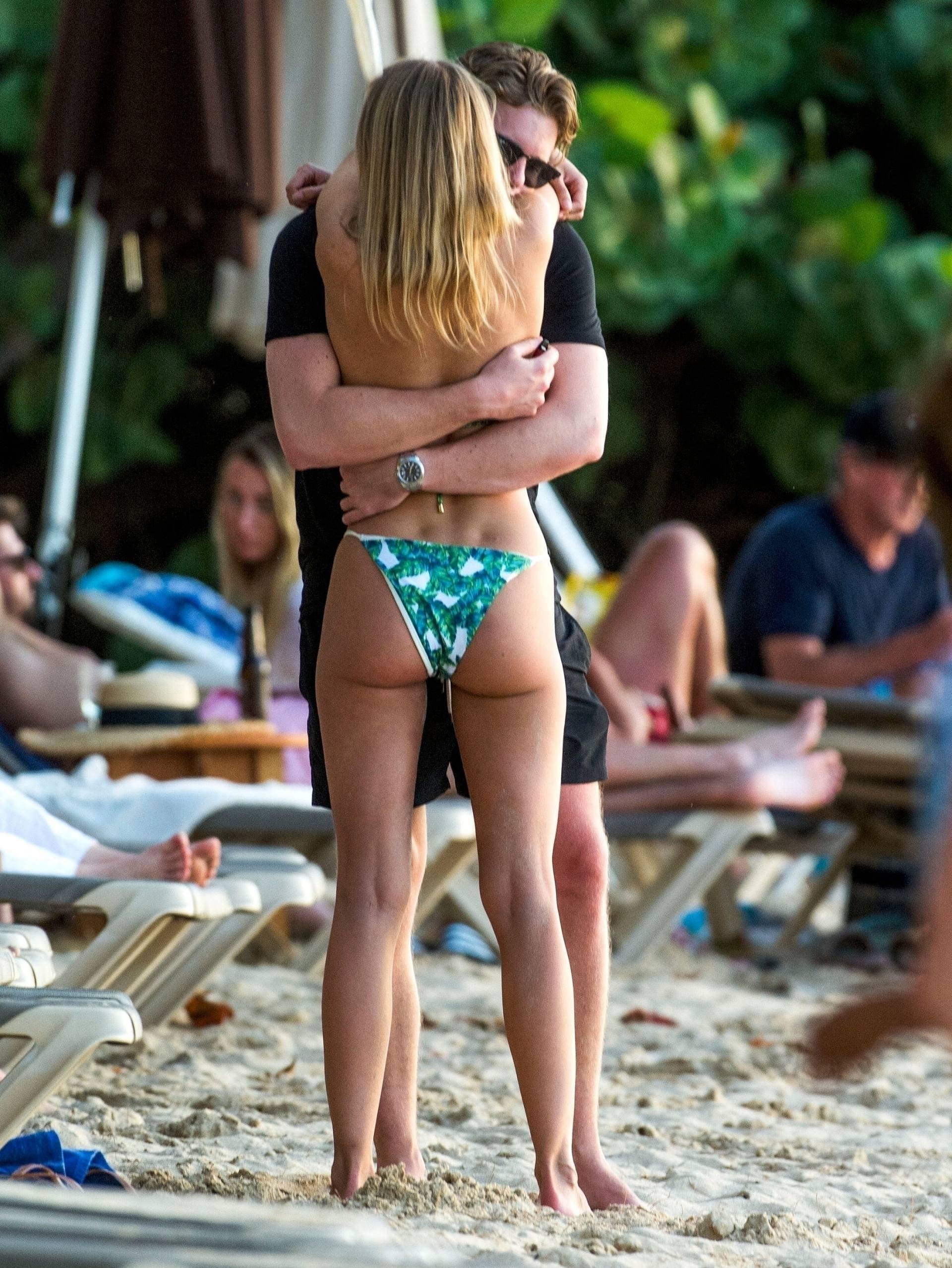 Kimberley Garner Hot Body In Bikini
