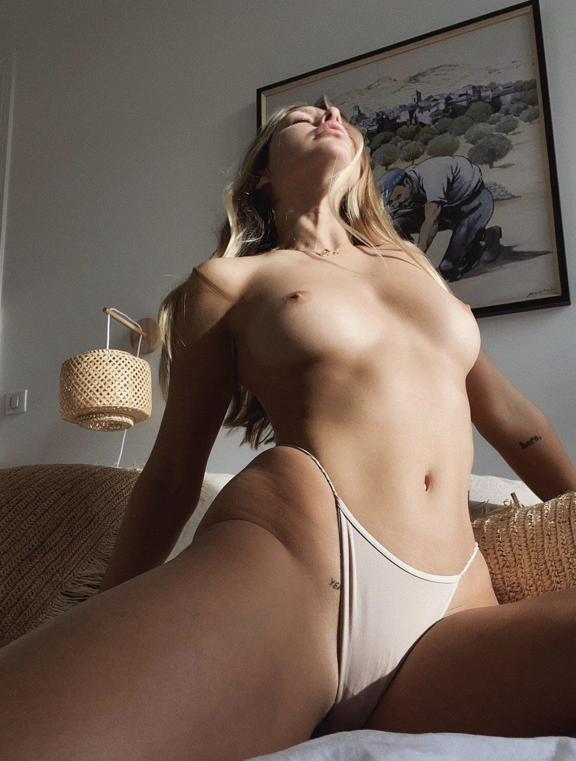 Pauine Tanton Fantastic Nude Body